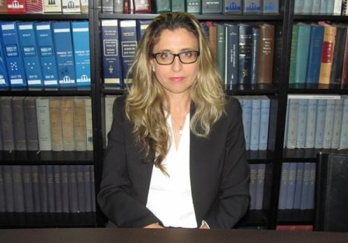 Irit Hadar, Associate